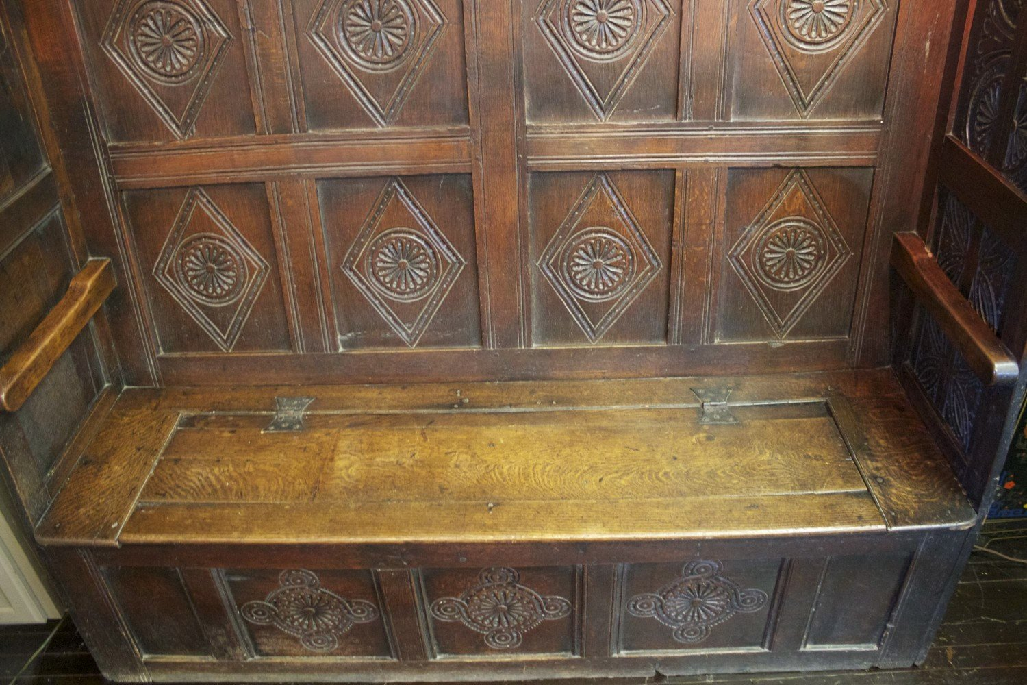 17th Century English Oak Settle