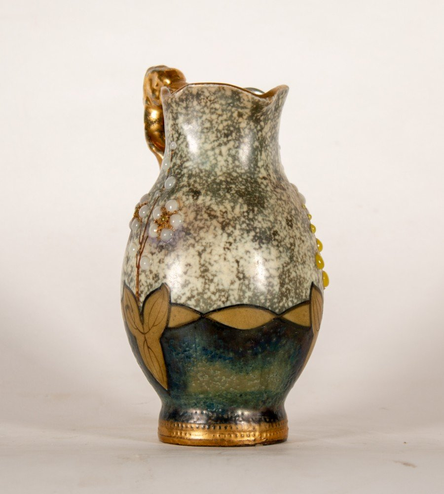 Ceramic Decorative Arts: