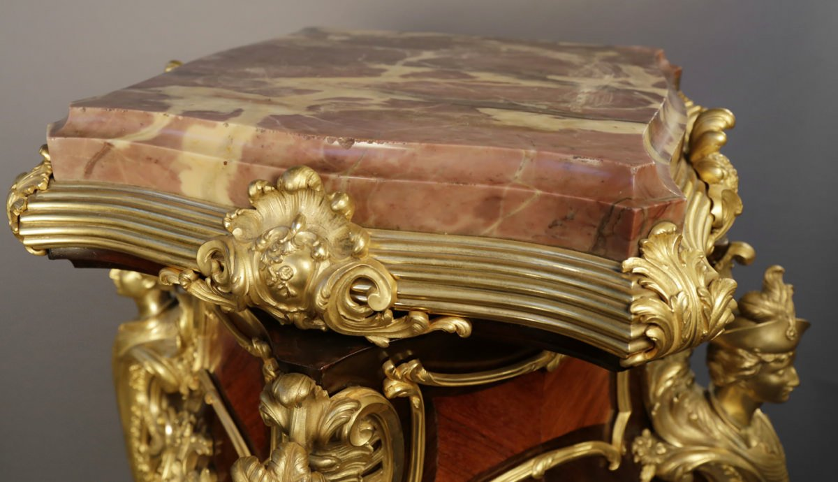 Marquetry, gilt bronze and marble Decorative Art:
