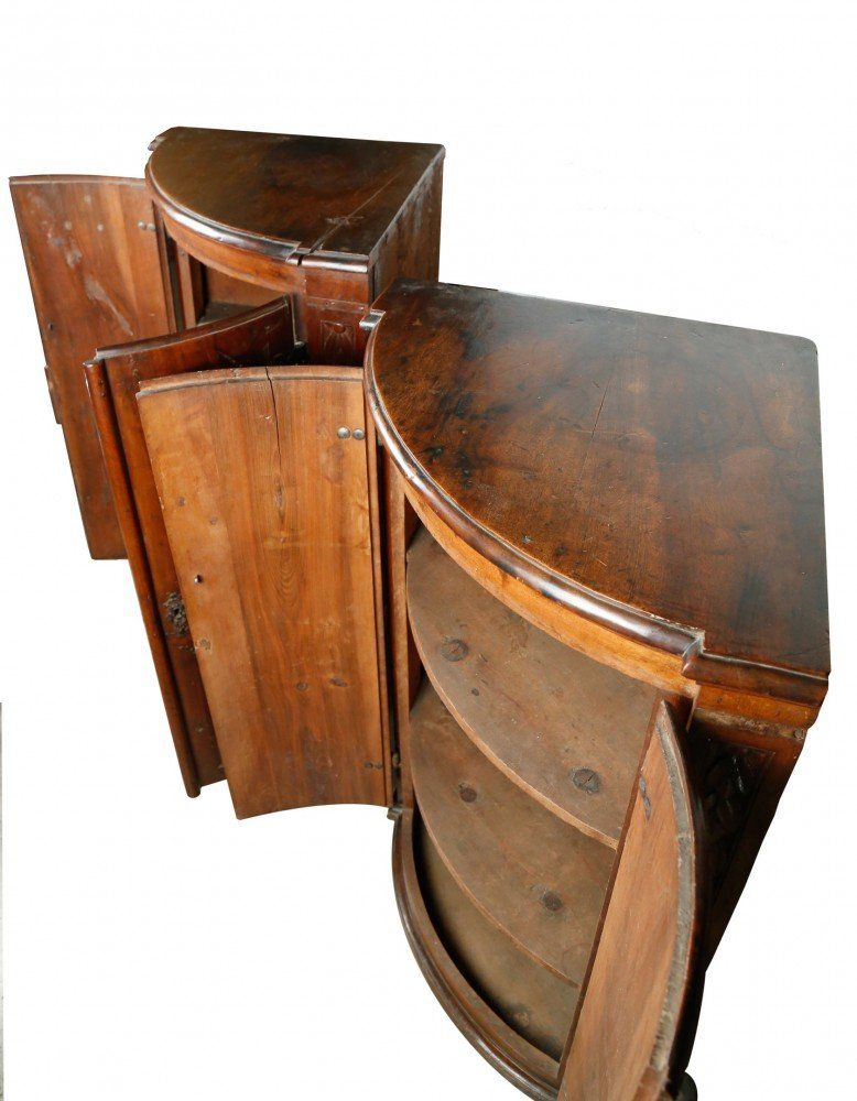 Wooden Decorative Arts: Pair of Small Provincial French Corner Cabinets
