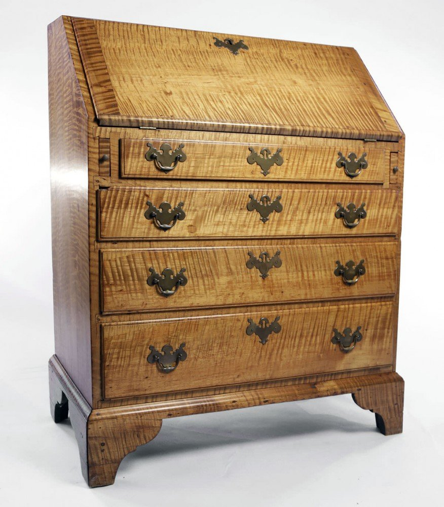 18th Century American Tiger Maple Slant Lid Desk