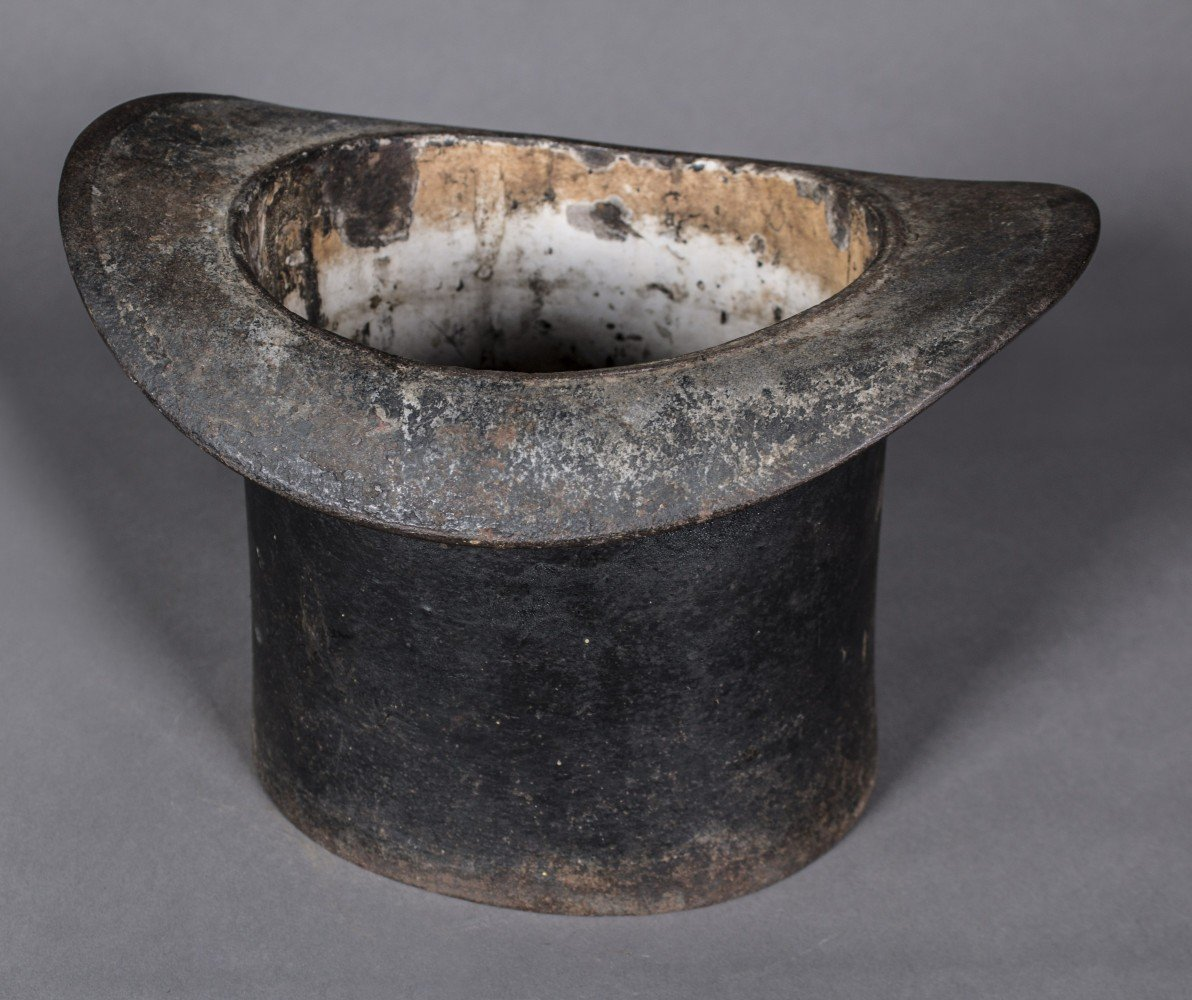 Cast Iron Spittoon/Planter in the form of a Top Hat